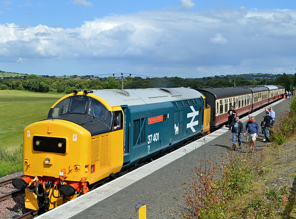 37401 Restoration at Bo'ness